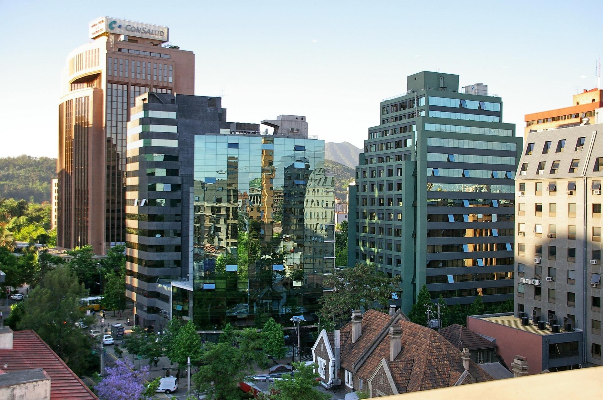Недвижимость за рубежом: «за» и «против»