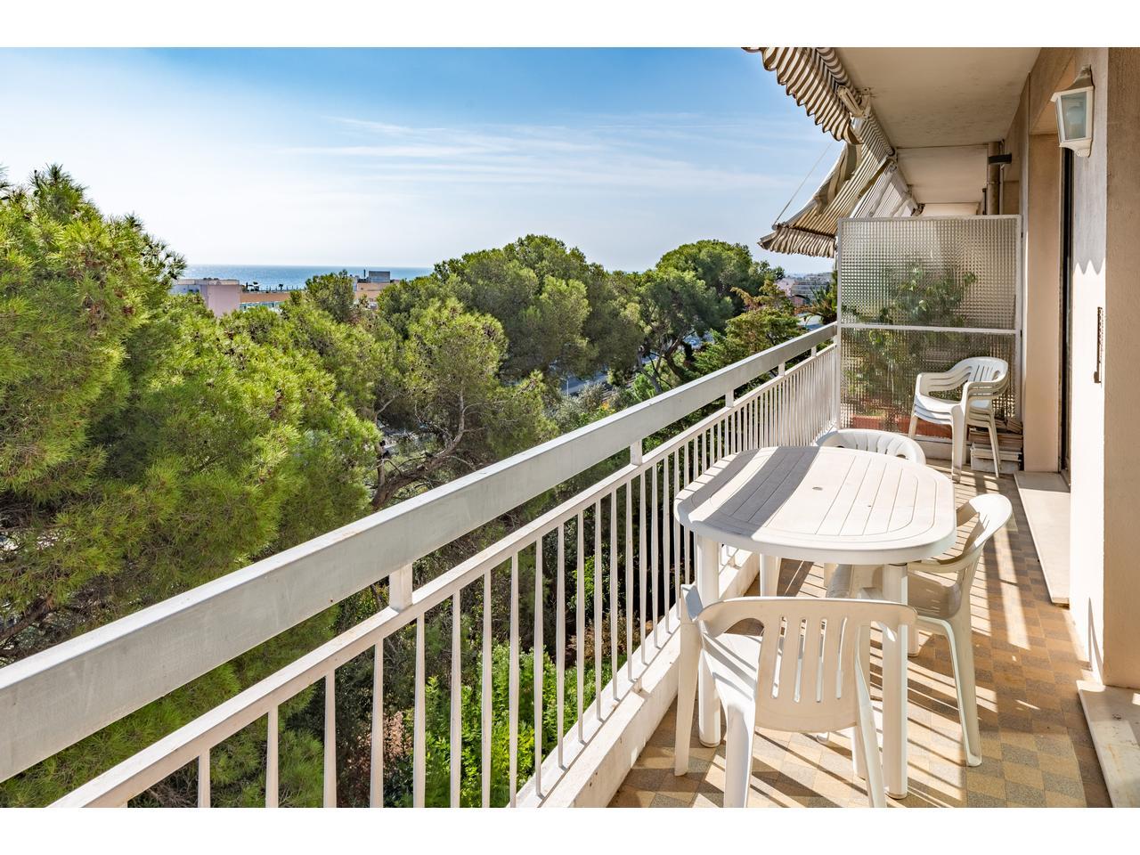 Продажа двухкомнатной квартиры в Ницце